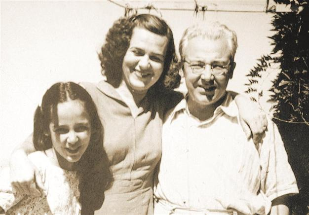 Sabahattin Ali wife Aliye Ali daughter Filiz Ali.