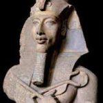 AKHENATON'UN DİNİ BUGÜNKÜ HÂKİM DİNLERİN TEMELİDİR